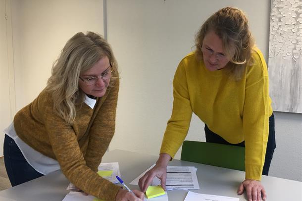 Prosjektlederne Hege Signete Fredheim-Kildal ved UNN og Tone Skoglund fra Harstad kommune skal finne ut hvor samhandlingen mello